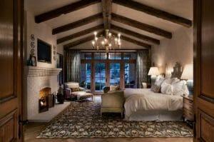 Cozy bedroom in airbnb winter